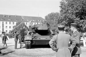 Tag der offenen Tür der französischen Garnison im Quartier Maud'Huy (ehemals Hindenburg-Kaserne), um 1962, Foto: Alfred Göhner, Bildrechte: Stadtarchiv Tübingen
