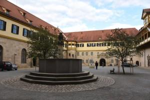Schloss Hohentübingen, Innenhof, Herbst 2015, Foto: Bernhard Kleeschulte