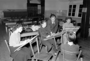 Volkshochschule, Kurs Freihandzeichnen, 1951, Foto: Kleinfeldt, Bildrechte: Stadtarchiv Tübingen