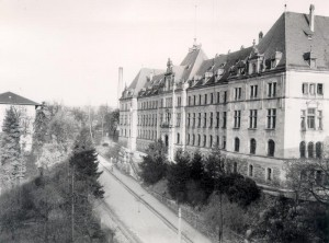 Justizgebäude in der Doblerstraße, vor 1957