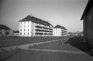 Französische Wohnblöcke in der Huberstraße, um 1957