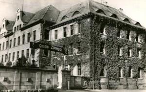 Le « Quartier Zimmer » français dans les bâtiments de l'ancienne caserne Loretto, carte postale d'époque