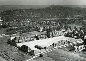 Luftaufnahme der Loretto-Kaserne mit näherer Umgebung, nach 1922